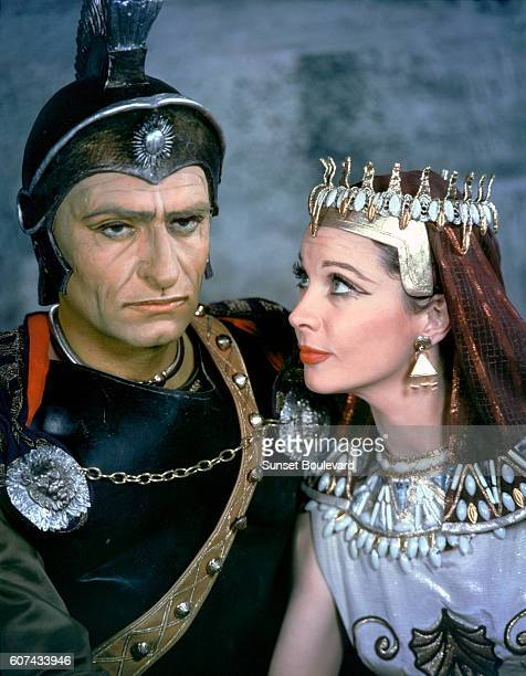 British actors Laurence Olivier and Vivien Leigh are 'Caesar and Cleopatra' in the play written in 1898 by George Bernard Shaw and performed at...