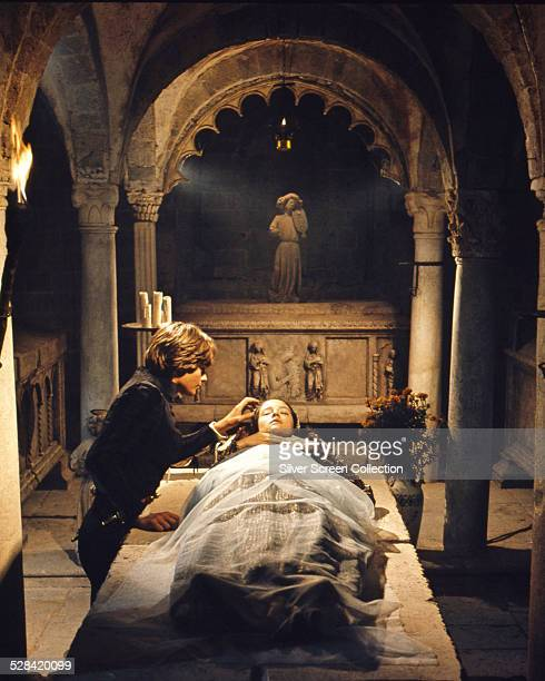 British actors Leonard Whiting as Romeo and Olivia Hussey as Juliet in 'Romeo And Juliet' directed by Franco Zeffirelli 1968