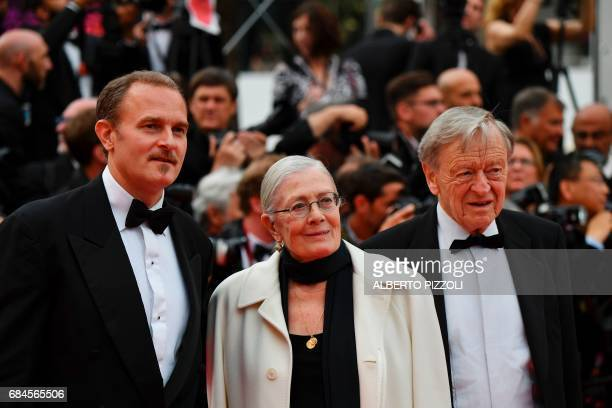British actress and director Vanessa Redgrave her son Italian producer Carlo Gabriel Nero and former MP Lord Alf Dubs arrive on May 18 2017 for the...
