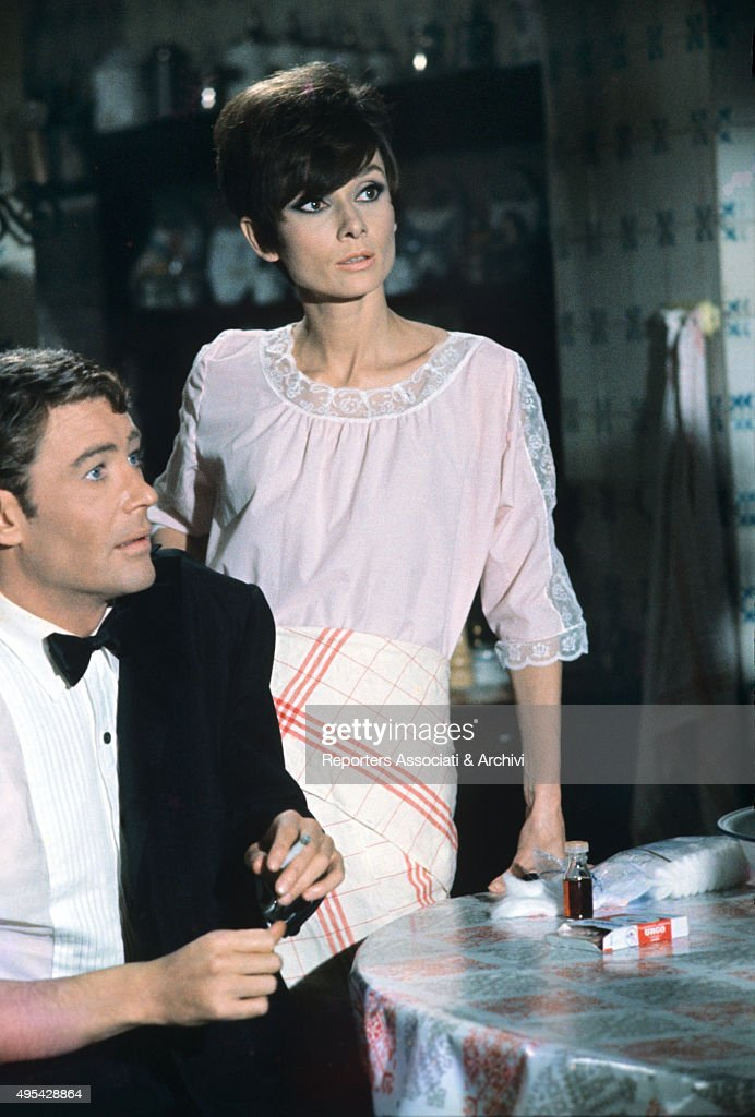 Peter O'Toole and Audrey Hepburn in How to Steal a Million : News Photo
