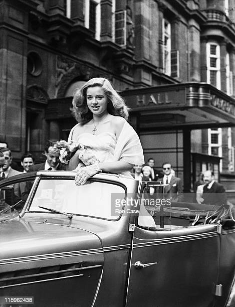 British actress Diana Dors at her wedding to Dennis Hamilton at Caxton Hall, Westminster, London, 3rd July 1951.