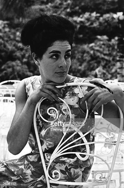 British actress Eleanor Bron Original Publication People Disc HA091