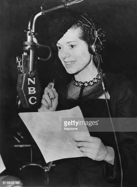 British actress Elsa Lanchester in an NBC recording studio circa 1945