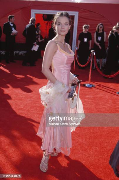 British actress Gabrielle Anwar attends the 72nd Annual Academy Awards, held at the Shrine Auditorium in Los Angeles, California, 26th March 2000.