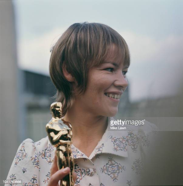 British actress Glenda Jackson with her Academy Award for Best Actress for her role in the film 'Women in Love', May 1971.
