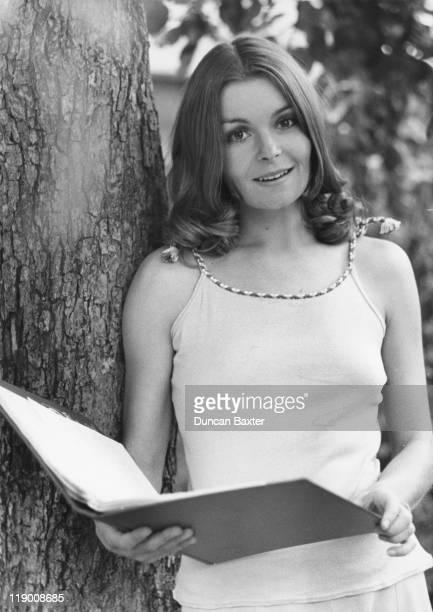 British actress Isla Blair, 30th October 1975.