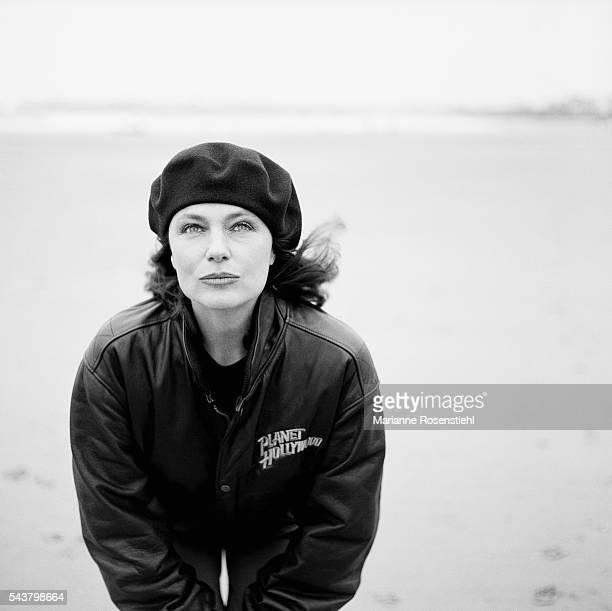 British actress Jacqueline Bisset on the movie set of Claude Chabrol's film La Cérémonie