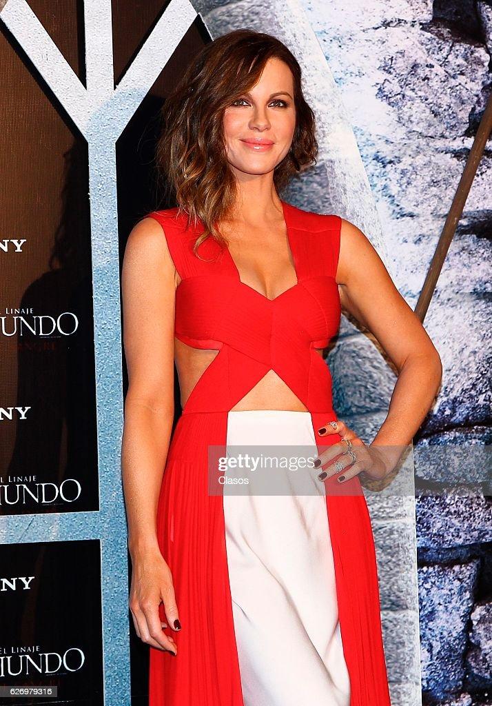 British Actress Kate Beckinsale Poses At Inframundo Guerras De News Photo Getty Images