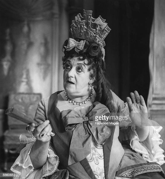 British Actress Margaret Rutherford as Lady Wishfort in 'The Way of the World' at the Lyric theatre in London. Original Publication: Picture Post -...