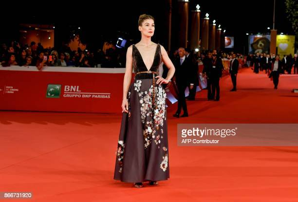 British actress Rosamund Pike arrives for the premiere of the film 'Hostiles' at the 12th Rome Film Festival on October 26 2017 in Rome / AFP PHOTO /...