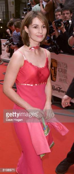 British actresses Helen Baxendale attends the BAFTA Television Awards held at the Grosvenor House Hotel on Park Lane on May 14, 2000 in London.
