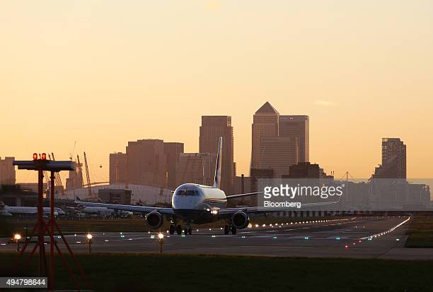 A British Airways aircraft operated by British Airways Plc taxis along the runway at London City Airport in London UK on Wednesday Oct 28 2015 Global...
