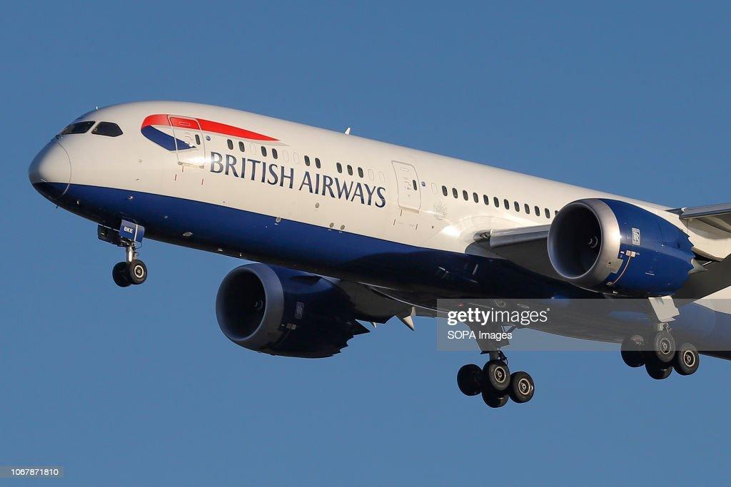 British Airways Boeing 787-9 Dreamliner seen landing at the... : News Photo