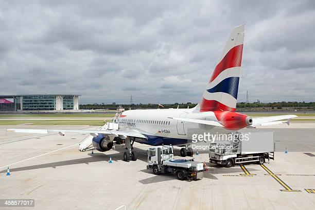 british airways plane, london city airport (xxxl) - british airways stock pictures, royalty-free photos & images