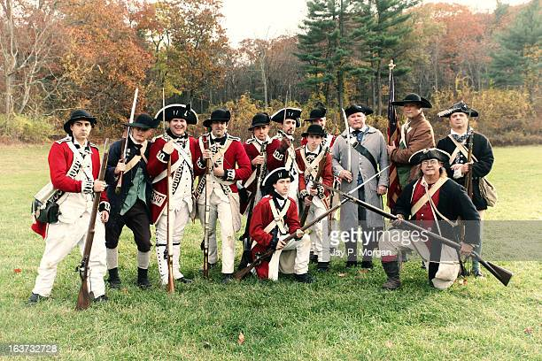 british and american colonial soldiers - revolutionary war - fotografias e filmes do acervo