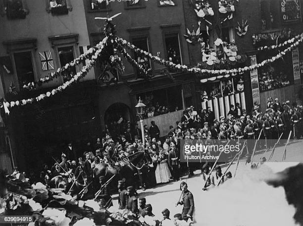 British and colonial troops in Queen Victoria's Diamond Jubilee procession on Borough High Street London on their return to Buckingham Palace after a...