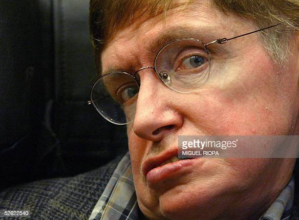 British astrophysicist Stephen Hawking presents his new book 'A brief history of Time' in Oviedo northern Spain 13 April 2005 AFP PHOTO / Miguel RIOPA