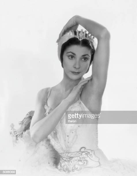 British ballerina Margot Fonteyn in 'Swan Lake'