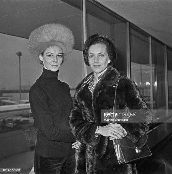 British ballet dancers Antoinette Sibley and Doreen Wells, Marchioness of Londonderry, UK, 17th October 1973.