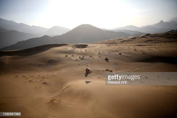 British biker Sam Sunderland powers his KTM during the Stage 12 of the Dakar 2021 between Yanbu and Jeddah, Saudi Arabia, on January 15, 2021. -...