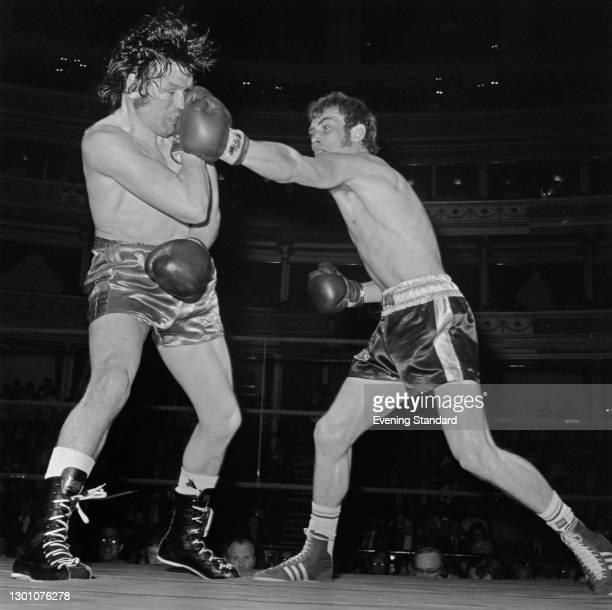 British boxer Alan Minter fights Don McMillan at the Royal Albert Hall in London, UK, 5th June 1973.
