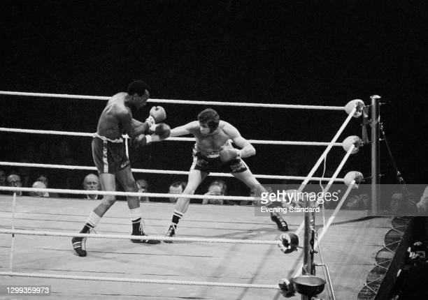 British boxer Chris Finnegan takes on Bob Foster of the USA in the World Boxing Association World Light Heavyweight title fight at the Empire Pool in...