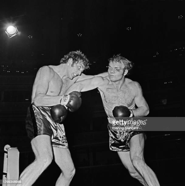 British boxer Joe Bugner takes on Germany's Jurgen Blin at the Royal Albert Hall in London for the EBU European Heavyweight title, UK, 10th October...