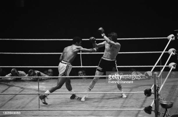 British boxers John Conteh and Chris Finnegan during their British and Commonwealth light heavyweight title fight at the Empire Pool at Wembley,...