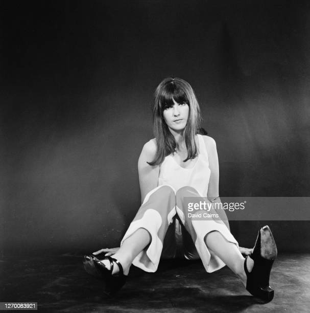 British broadcaster and journalist Cathy McGowan, 18th August 1965.