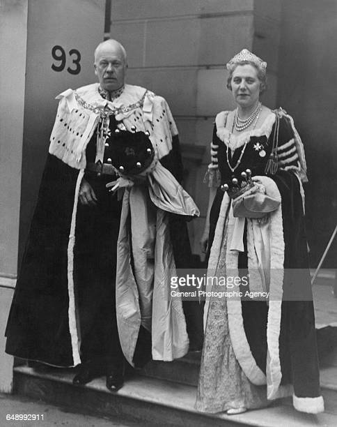 British businessman and politician Vere Ponsonby, 9th Earl of Bessborough with his wife, Roberte Ponsonby, Countess of Bessborough , circa 1945. Vere...