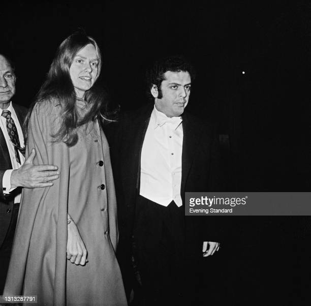 British cellist Jacqueline du Pré and her husband, pianist and conductor Daniel Barenboim at the Royal Festival Hall in London, UK, 7th November 1973.