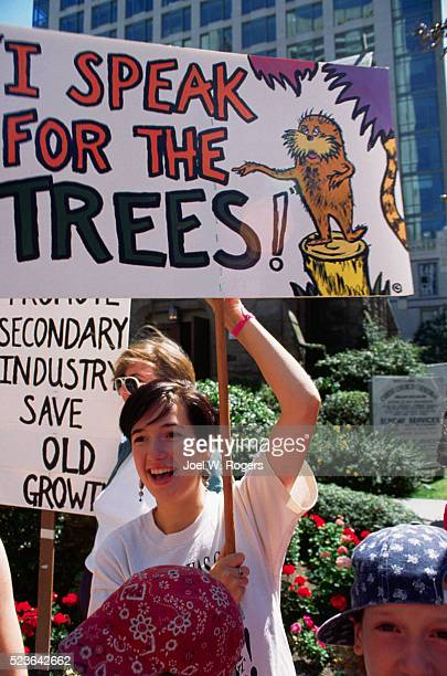 British Columbians Protest Deforestation of Old Growth