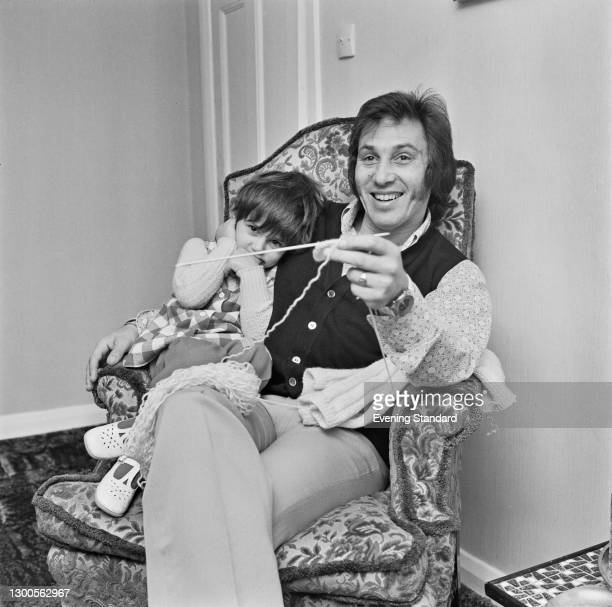 British comedian Albie Keen , UK, 21st March 1973. He was part of the comedy double act Hope and Keen with his cousin Mike Hope.