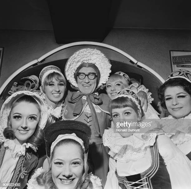 British comedian and actor Arthur Askey who plays the role of Dame Durden in the pantomime 'Jack and the Beanstalk' with costars London UK 16th...