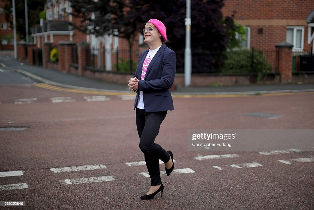 Eddie Izzard Campaigns For Labour In : News Photo