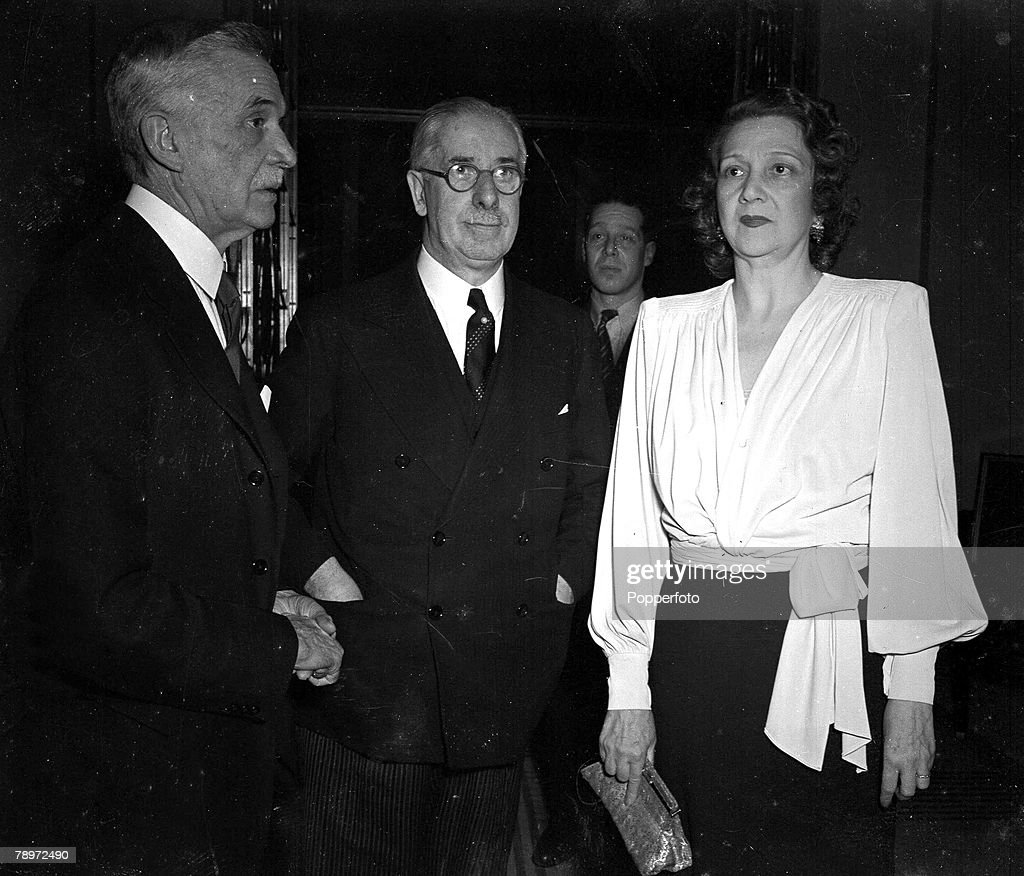 1945, British Commonwealth Relations Congress, Lord Astor is pictured with Lord and Lady Kemsley