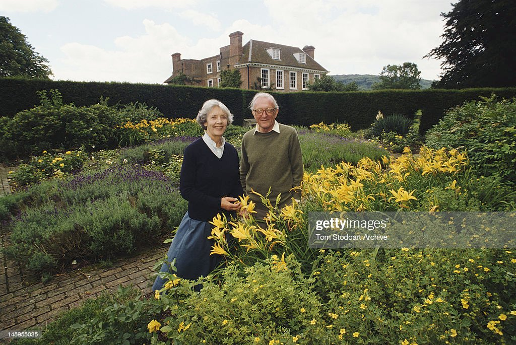 British Conservative politician Peter Carington, 6th Baron Carrington with his wife Iona, Lady Carrington (1820 - 2009) at their country home, the Manor House in Bledlow, Buckinghamshire, 1990.