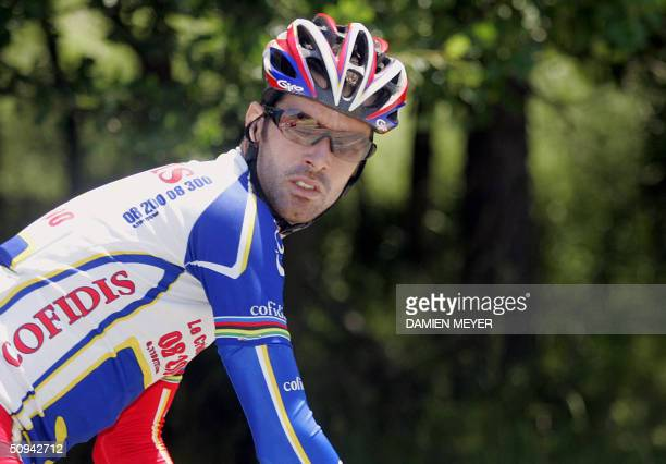 British David Millar rides during the second stage of the 56th Criterium du Dauphine Libere race between SaintEtienne and Aubenas 09 June 2004 French...