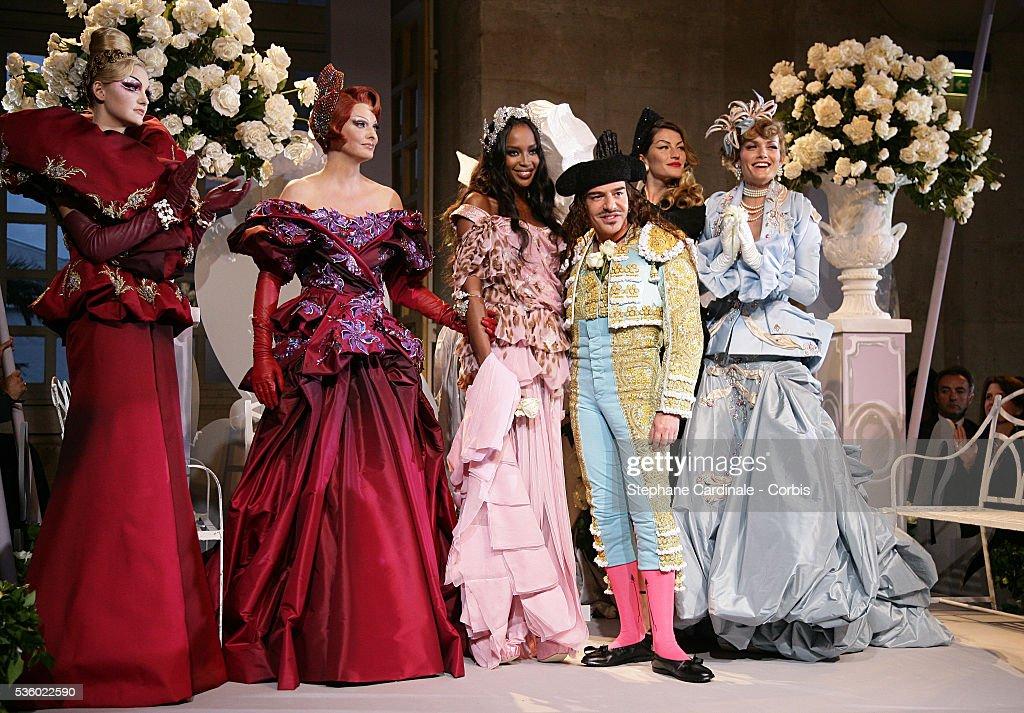 "France - Christian Dior ""Haute Couture"" Fall-Winter 2007/2008 Collection - Dior 60th Anniversary : News Photo"