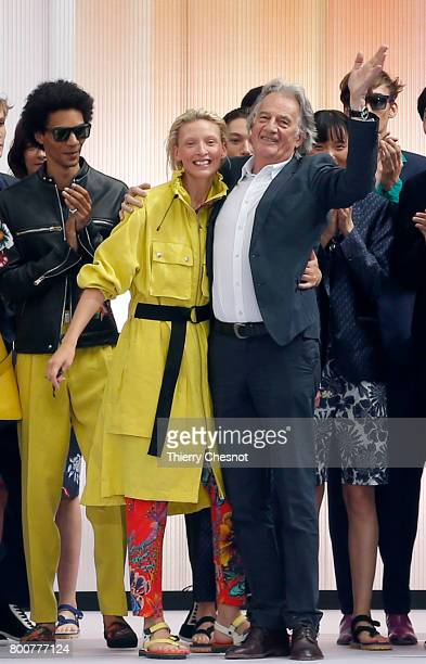 British designer Paul Smith acknowledges the audience at the end of the Paul Smith Menswear Spring/Summer 2018 show as part of Paris Fashion Week on...