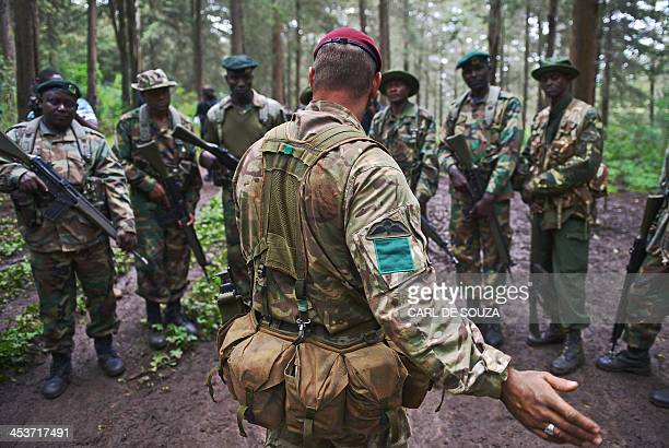 British Elite Paratrooper 3rd battalion Parachute regiment Corporal Andy Smith instructs Kenya Wildlife and Forest Services rangers during an...