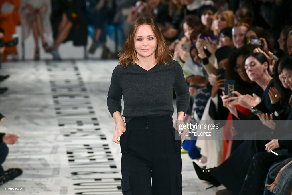Fashion-France-FASHION-FRANCE-STELLA MCCARTNEY : News Photo