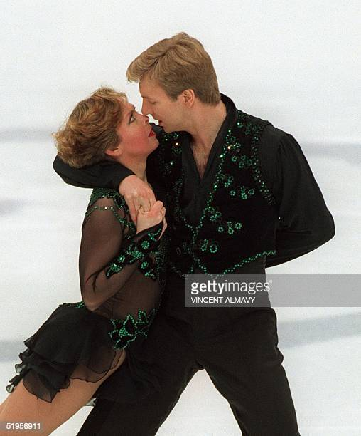 British figure skaters Jayne Torvill and Christopher Dean perform their ice dance original program 20 February 1994 in Lillehammer at the XVIIth...