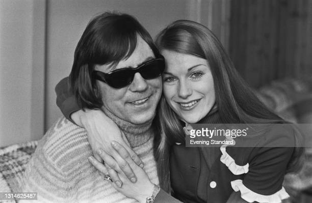 British folk duo Peters and Lee, UK, 5th April 1974. They are Lennie Peters and Dianne Lee .