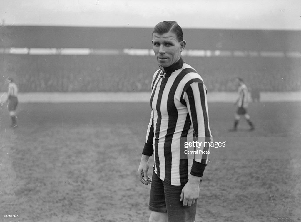 British footballer Charles Buchan (1891 - 1960), after leaving Sunderland he led Arsenal to their first FA Cup victory in 1927.