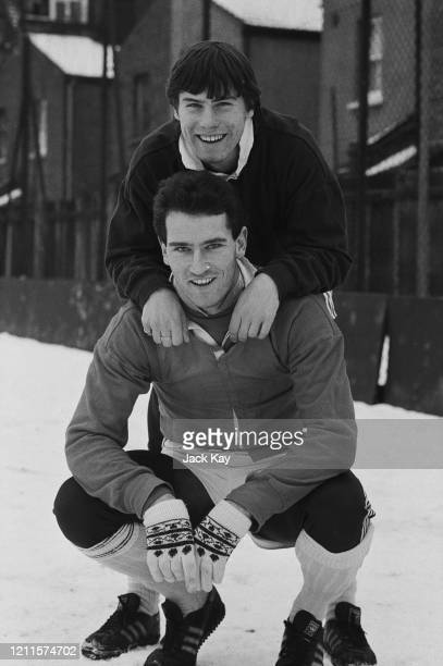 British footballers Rob Lee and Mark Aizlewood, Charlton Athletic teammates at the club's Sparrows Lane training ground in Eltham, London, England,...