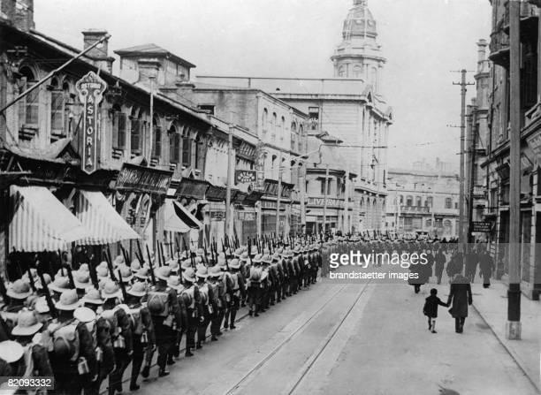 British forces leaving shanghai for Hong Kong Shanghai Photograph 1938 [Britische Truppen verlassen Shanghai in Richtung Hong Kong Shanghai...