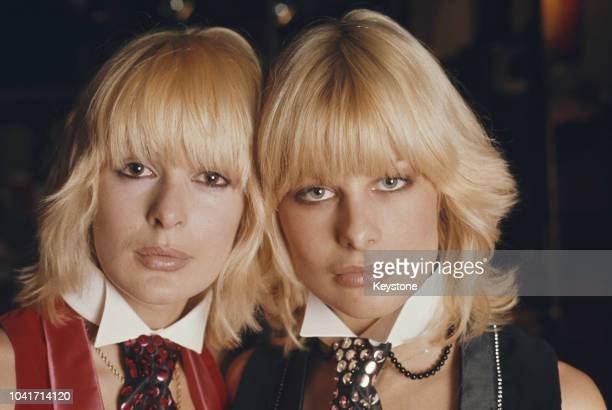 British glamour models Nina Carter and Jilly Johnson of girl group Blonde on Blonde circa 1980