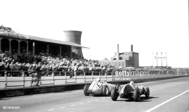 British GP Aintree 18th July 1959 Stirling Moss BRM P25 finished 2nd and car no 16 Bruce McLaren CooperClimax T51 finished 3rd