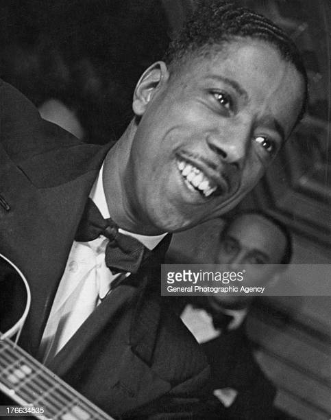 British Guitarist Frank Deniz performs at the 'Old Florida Club' in Bruton Street London 1939